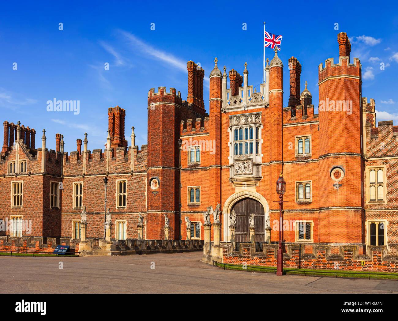 Hampton Court Palace, Richmond, London, Surrey, England, UK. - Stock Image