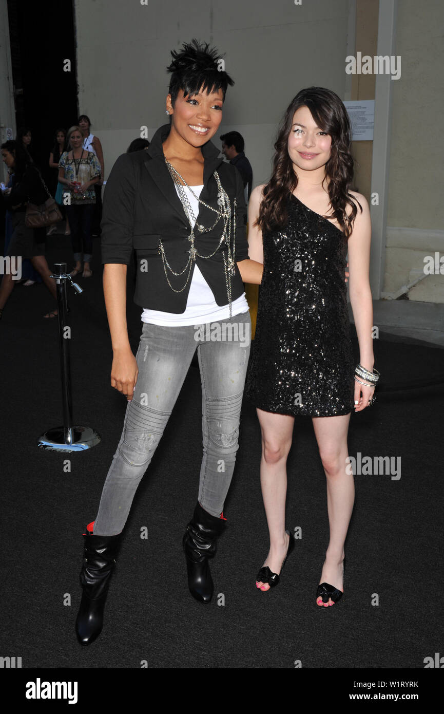 LOS ANGELES, CA. September 08, 2009: Monica Arnold (left) & Miranda Cosgrove at the Get Schooled Conference and premiere of TV documentary at Paramount Studios, Hollywood. © 2009 Paul Smith / Featureflash - Stock Image