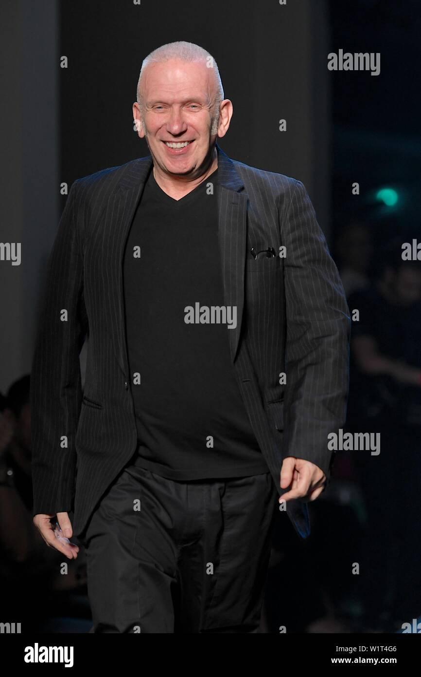 Paris, France. 3rd July, 2019. Designer Jean Paul Gaultier acknowledges the audience after presenting his Fall/Winter 2019/20 Haute Couture collections in Paris, France, July 3, 2019. Credit: Piero Biasion/Xinhua/Alamy Live News - Stock Image