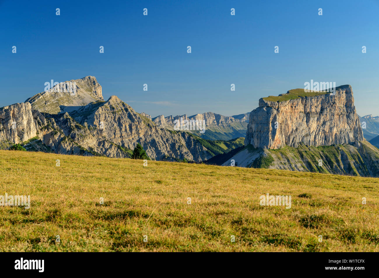 Grand Veymont and Mont Aiguille, from the Tête Chevalier, Vercors, Dauphine, Dauphine, Isère, France - Stock Image