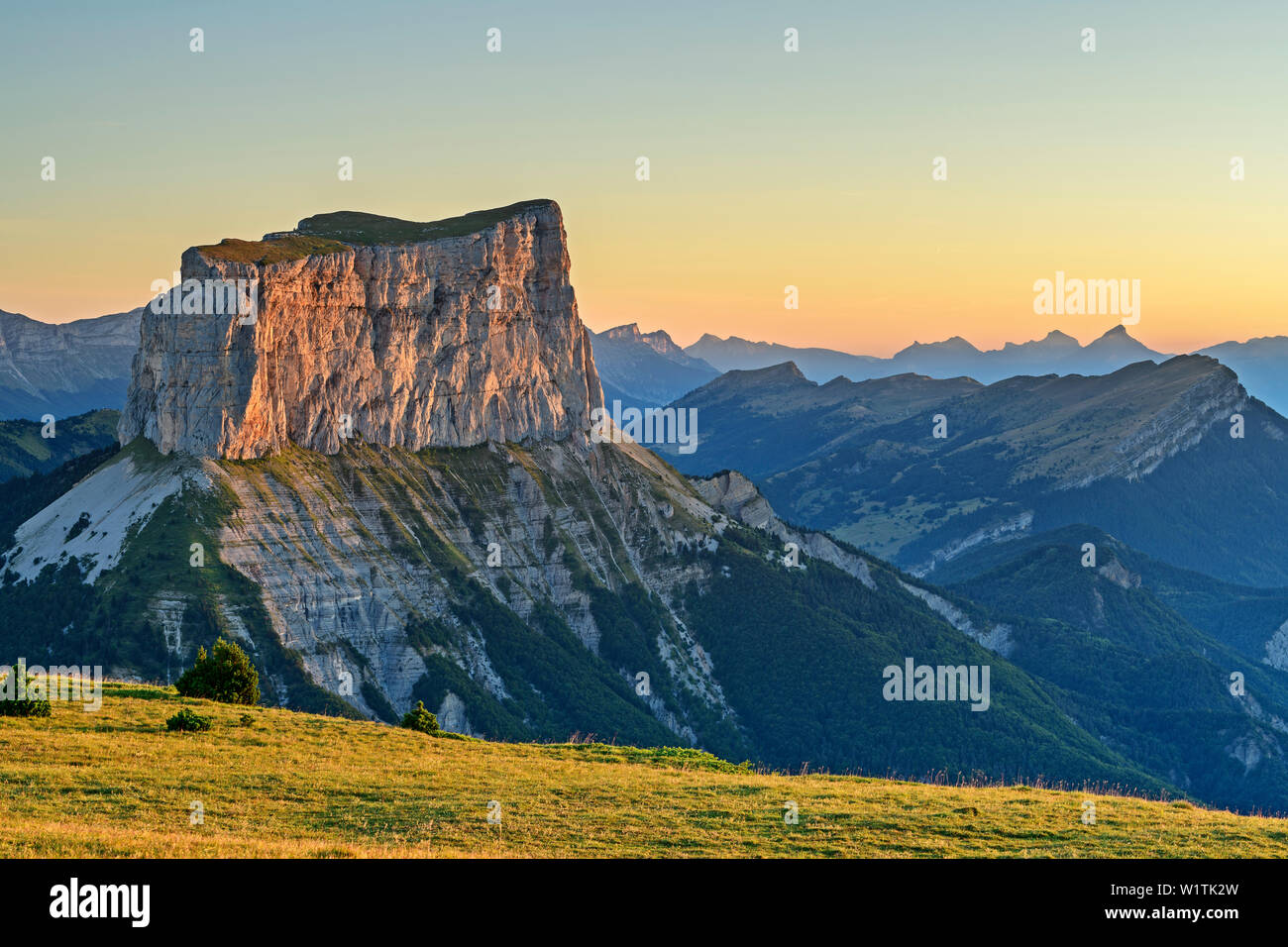Mont Aiguille in the morning light, from the Tête Chevalier, Vercors, Dauphine, Dauphine, Isère, France - Stock Image