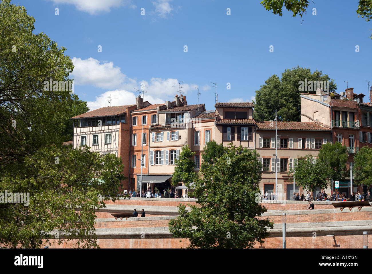 Attractive old buildings dating from the 16th to the 19th century, Place de la Daurade, Toulouse, Haute-Garonne, Occitanie, France - Stock Image