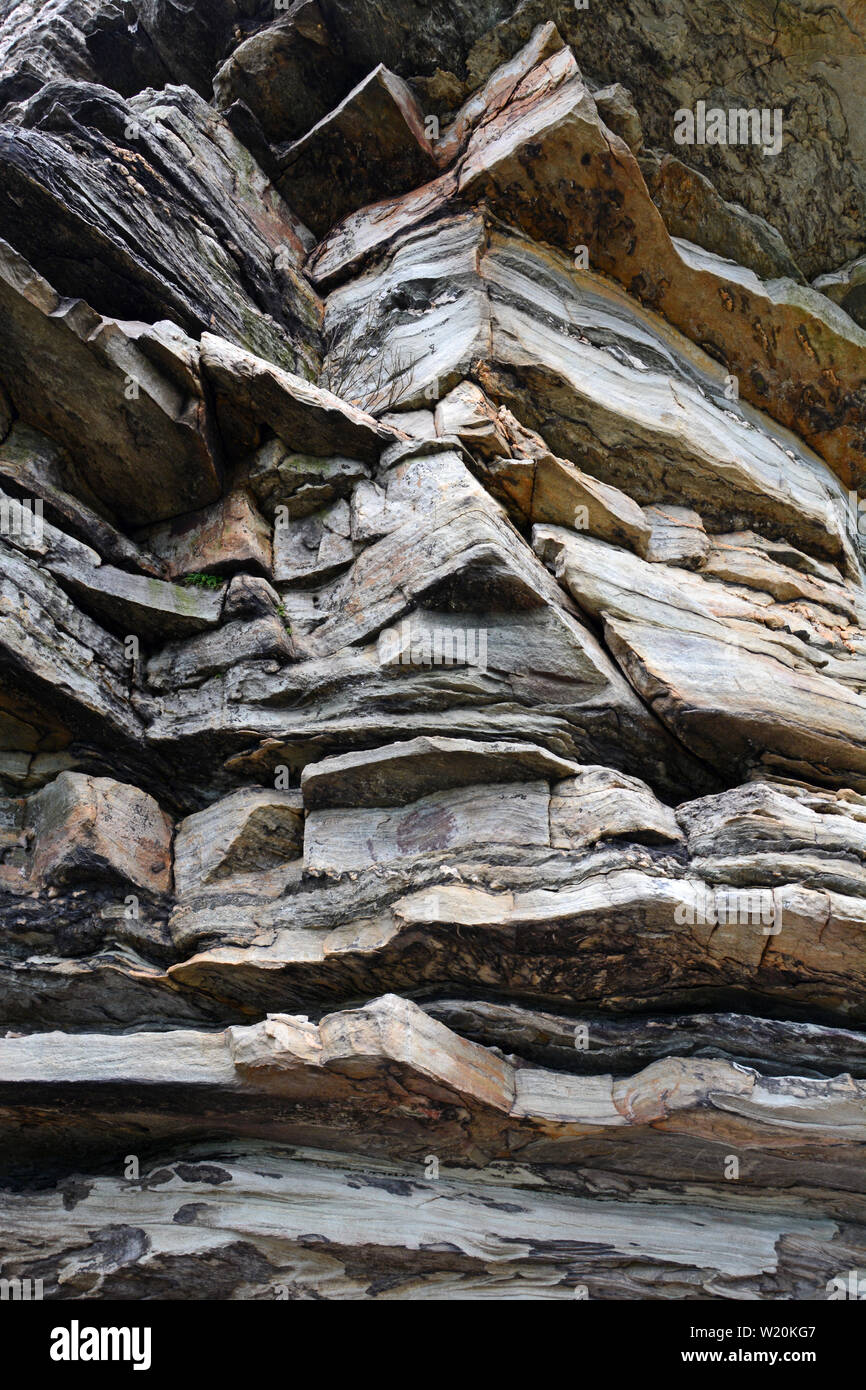 Close up of the rock cliffs at Pilot Mountain State Park in North Carolina. - Stock Image