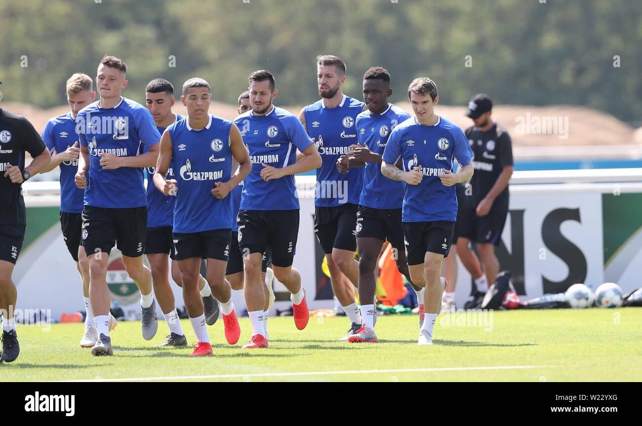 firo: 05.07.2019, football, 1.Bundesliga, season 2019/2020, FC Schalke 04, training, newcomer Benito RAMAN, right   usage worldwide - Stock Image