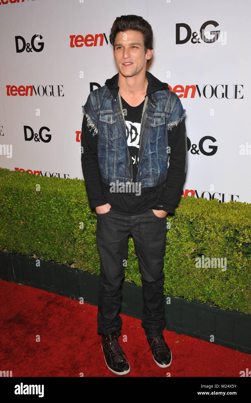 Los Angeles Ca September 25 2009 Daren Kagasoff At The 7th Anual Teen Vogue Young Hollywood Party At Milk Studios Hollywood C 2009 Paul Smith Featureflash Stock Photo Alamy Daren kagasoff is afraid of flying! https www alamy com los angeles ca september 25 2009 daren kagasoff at the 7th anual teen vogue young hollywood party at milk studios hollywood 2009 paul smith featureflash image259493191 html