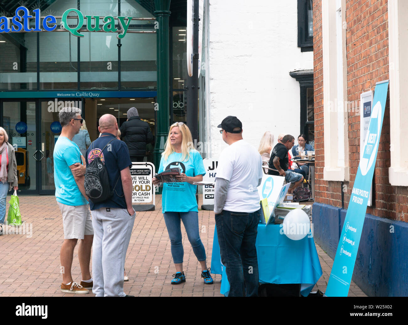 Banbury, Oxfordshire, July 6th 2019 Members of the Brexit Party (UK) hand out copies of their newspaper 'The Brexiteer' at stalls in the Market Square, Banbury. This marks part of a 'National Campaign Day' on which The Brexit Party state they aimed to set up stalls in each county in the UK. Bridget Catterall Alamy Live News Stock Photo