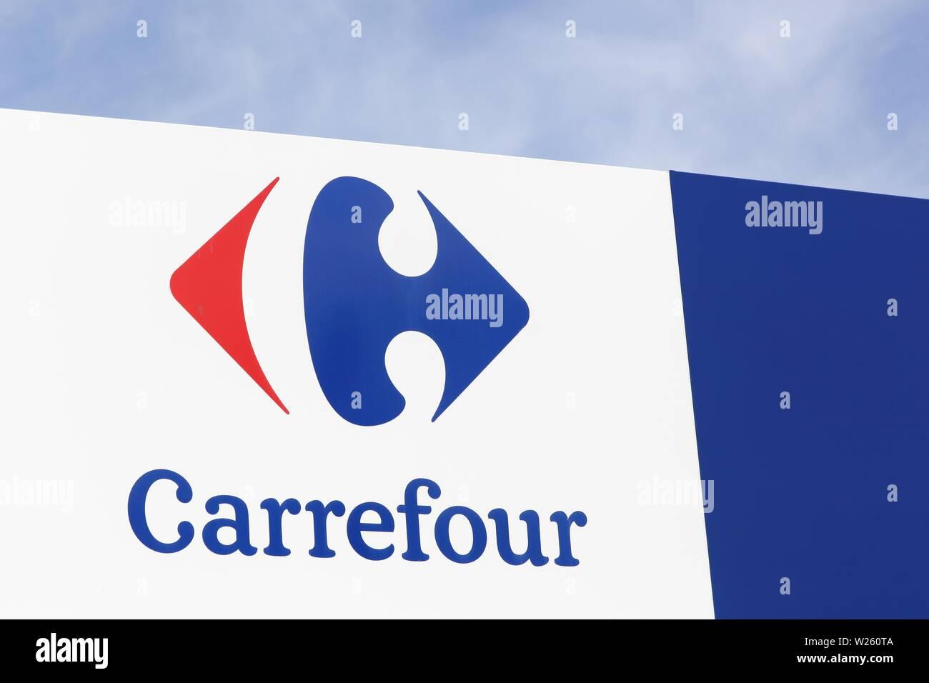 Carrefour France Europe Stock Photos & Carrefour France Europe Stock