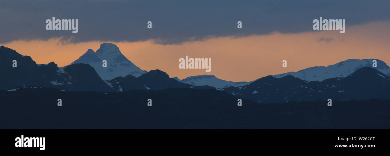 Toedi at sunset, view from Obermutten. - Stock Image
