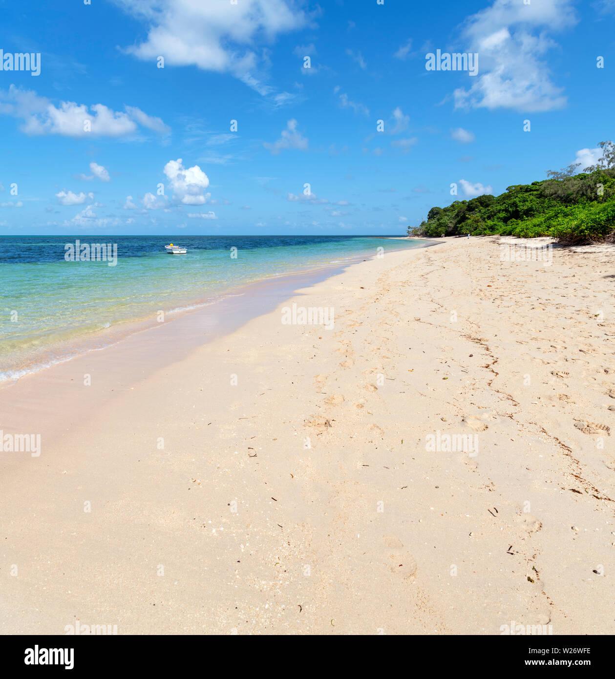 Beach on Green Island, a coral cay in the Great Barrier Reef Marine Park, Queensland, Australia Stock Photo