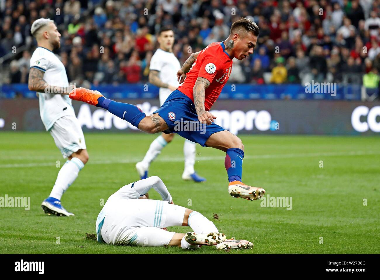 Sao Paulo, Brazil. 06th July, 2019. Chilean Eduardo Vargas in action, during the Copa America 2019 3rd place soccer match between Argentina and Chile, at Arena Corinthians Stadium in Sao Paulo, Brazil, 6 July 2019. Credit: Sebastiao Moreira/EFE/Alamy Live News Stock Photo