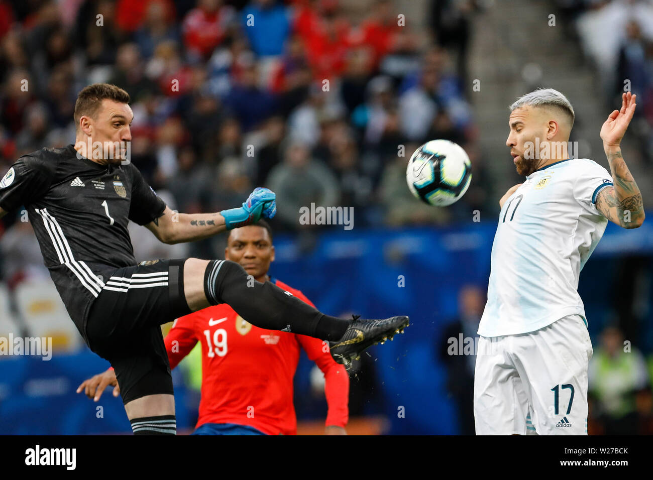 SÃO PAULO, SP - 06.07.2019: ARGENTINA VS. CHILE - Franco Armani and Otamendi during a match between Argentina and Chile, valid for the third place match of the Copa América 2019, held this Saturday (06) at the Corinthians Arena in São Paulo, SP. (Photo: Ricardo Moreira/Fotoarena) - Stock Image