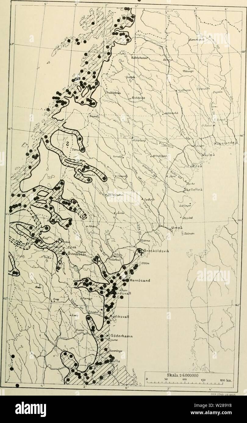 Archive image from page 396 of Den norrländska florans  geografiska. Den norrländska florans : geografiska fördelning och invandringshistoria ; med särskild hänsyn till dess sydskandinaviskar arter  dennorrlndskaf00ande Year: 1912  KARTOR OCH STà NDORTER .81 Kartan 30. Stachys silvatica.    Fossila fyndorter i Sverige äro angifna med ett +. I Norge är arten allmän i RÃ¥nen och gar mot norr till 69° 10'. Stock Photo