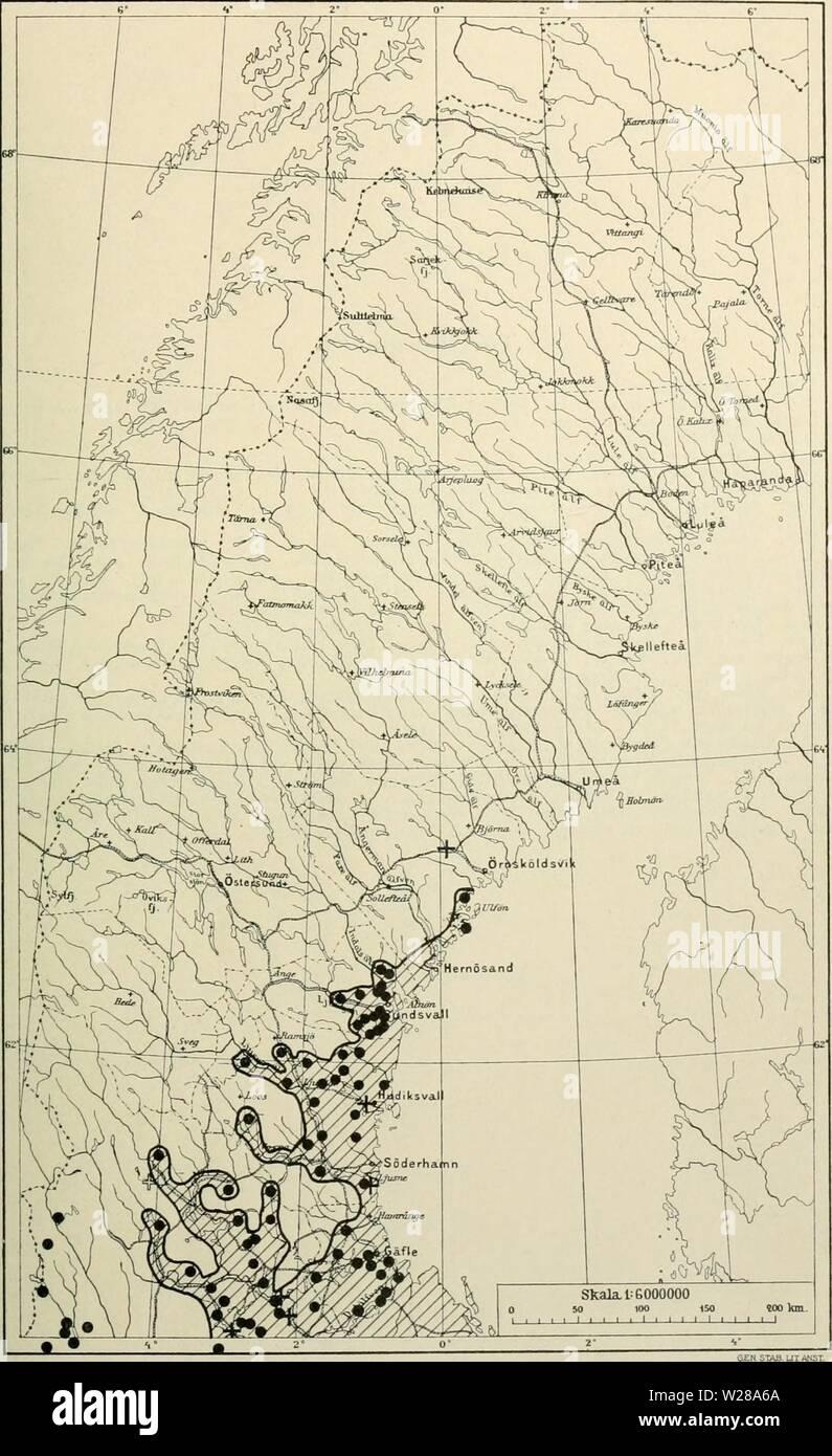 Archive image from page 398 of Den norrländska florans  geografiska. Den norrländska florans : geografiska fördelning och invandringshistoria ; med särskild hänsyn till dess sydskandinaviskar arter  dennorrlndskaf00ande Year: 1912  KARTOR OCH STà NDORTER 383 Kartan 31. Lind (Tilia europaea).    Fossila lokaler äro betecknade met ett +, en lokal för endast tossilt pollen vid hvetsberg i Dalarne med ett svart och hvitt kors; ett sÃ¥dant fynd vid Bjurholm (s. 161) ar ej inlagdt. I Norge gÃ¥r linden endast till 62° 30' n. br. Jfr i ötrigt texten s. 182. Stock Photo