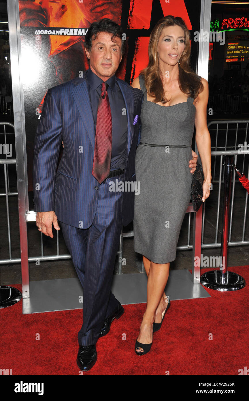 LOS ANGELES, CA. October 11, 2010: Sylvester Stallone & wife Jennifer Flavin at the premiere of 'Red' at Grauman's Chinese Theatre, Hollywood. © 2010 Paul Smith / Featureflash - Stock Image