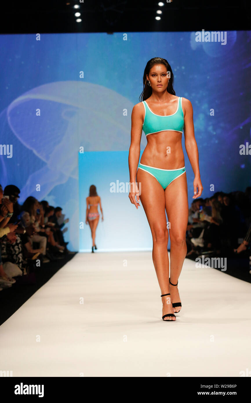 finest selection 0f14a efef1 Berlin, Germany. 06th July, 2019. Models show fashion at the ...