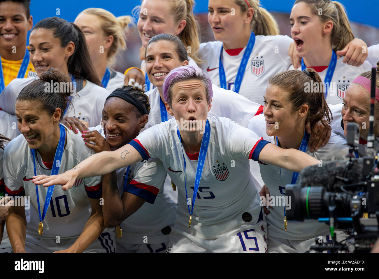 Lyon, France. 07th July, 2019. Megan Rapinoe of the United States and United States sealing commemorates after the United States won the 2019 FIFA Women's World Cup Final against the Netherlands at the Lyon Stadium in Lyon, France. Credit: Foto Arena LTDA/Alamy Live News - Stock Image