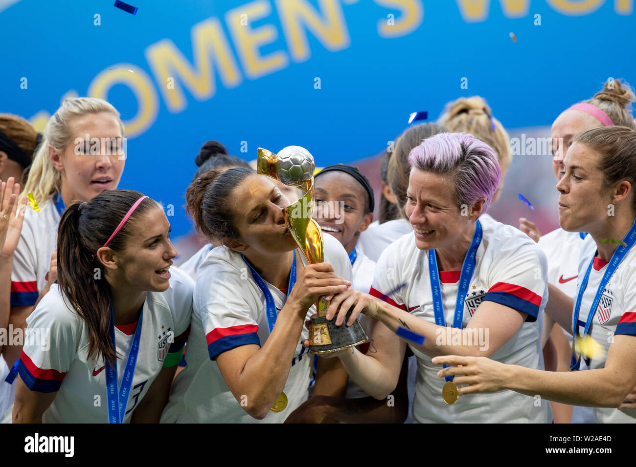 Lyon, France. 07th July, 2019. Megan Rapinoe, Carli Lloyd and Alex Morgan United States sealing commemorates after the United States win the 2019 FIFA Women's W Cup Cup Final, against Holland, held at the Lyon Stadium in Lyon, France. Credit: Foto Arena LTDA/Alamy Live News - Stock Image