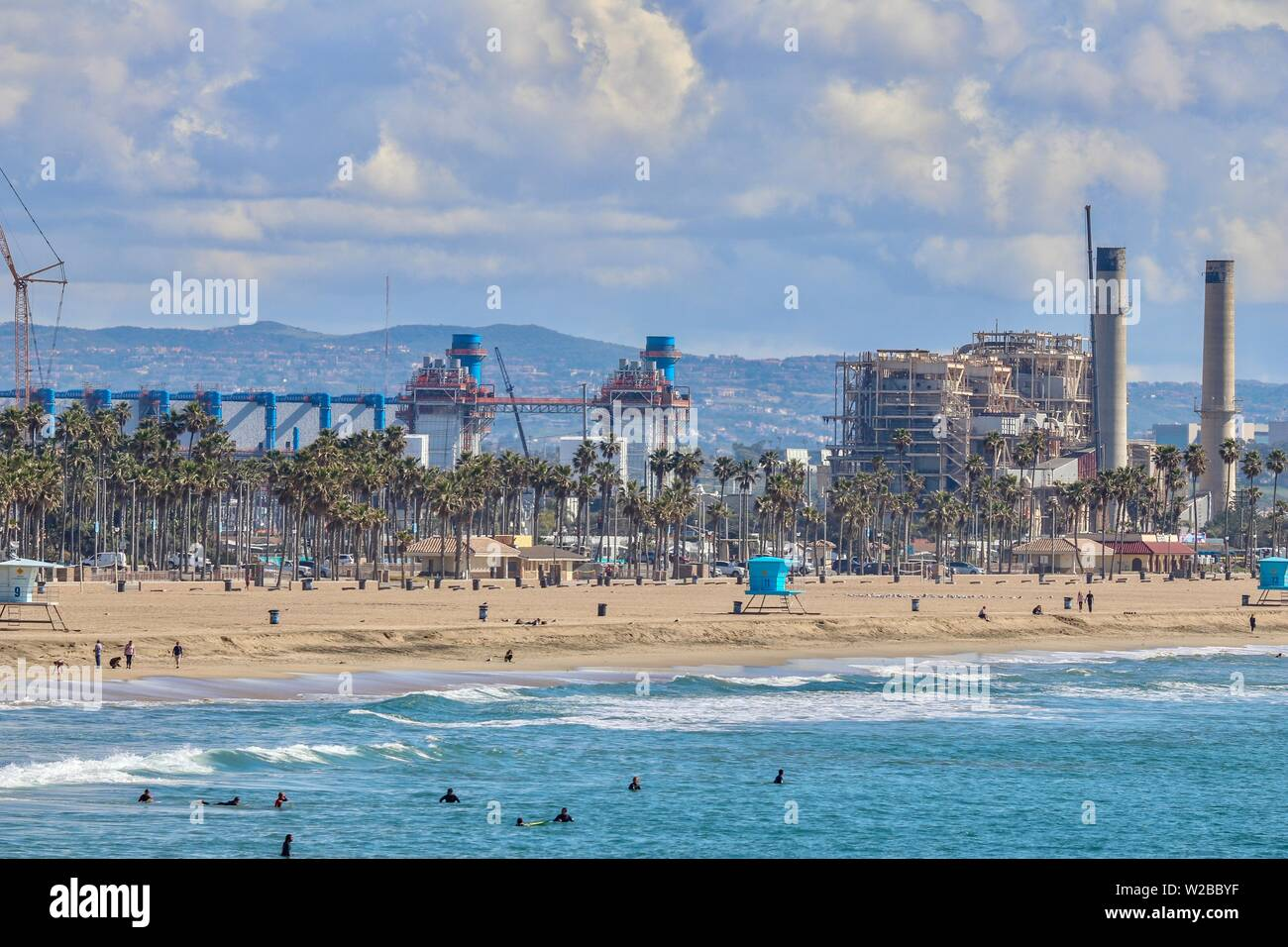 Huntington Beach Coastline showing the AES Plant and the water desalinization plant - Stock Image