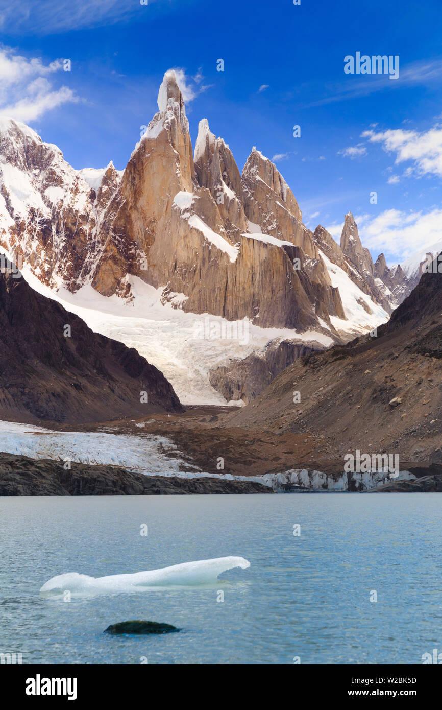 Argentina, Patagonia, El Chalten, Los Glaciares National Park, Laguna Torre and Cerro Torre Peak - Stock Image