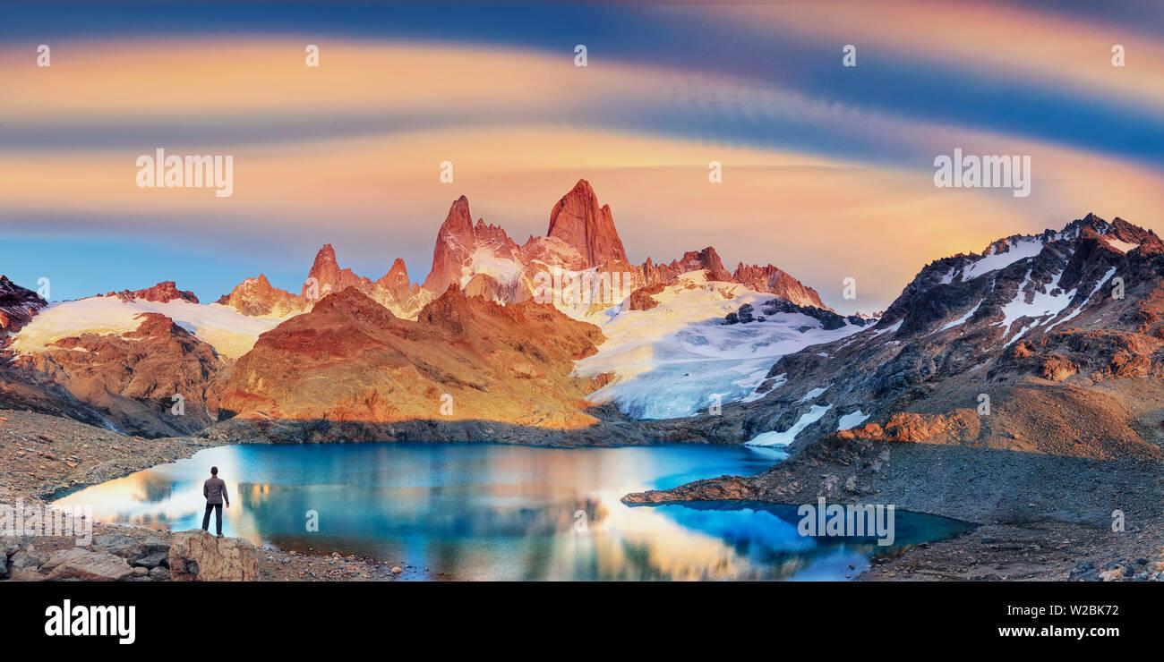Argentina, Patagonia, El Chalten, Los Glaciares National Park, Cerro Fitzroy Peak and Laguna de los tres (MR) - Stock Image