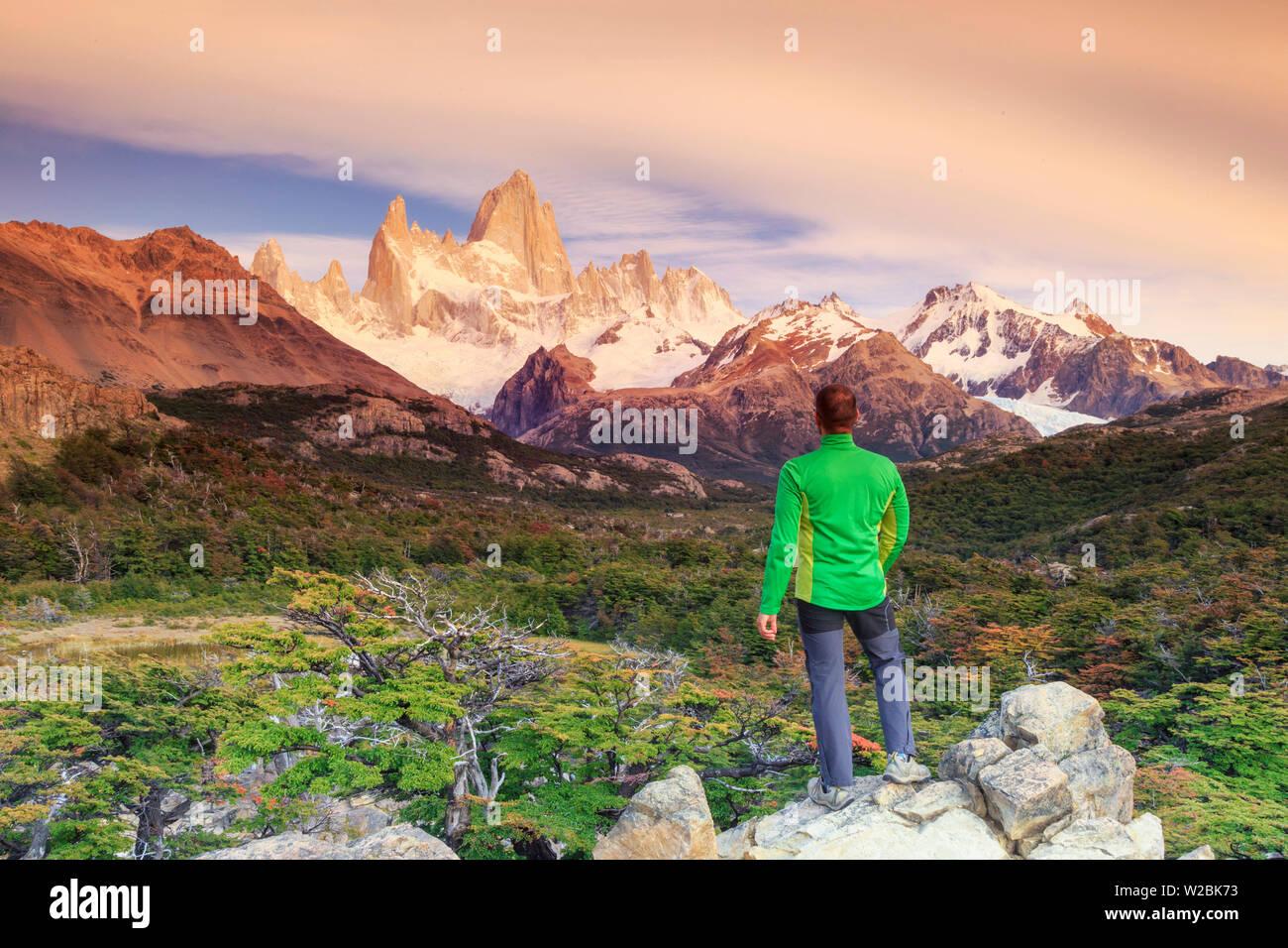 Argentina, Patagonia, El Chalten, Los Glaciares National Park, Cerro Fitzroy Peak (MR) - Stock Image