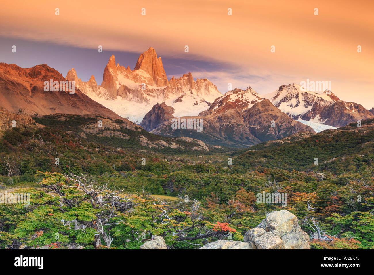 Argentina, Patagonia, El Chalten, Los Glaciares National Park, Cerro Fitzroy Peak - Stock Image
