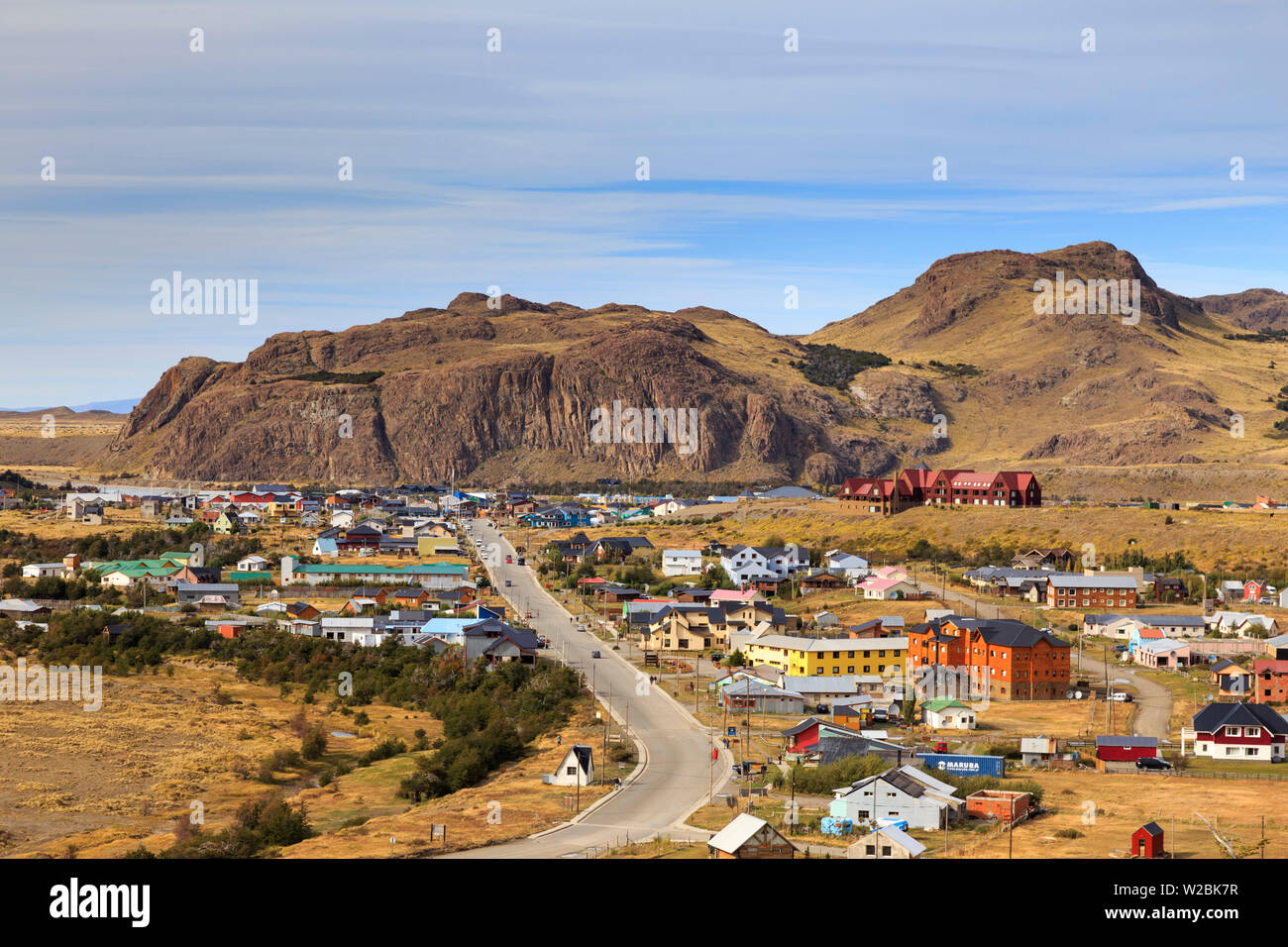 Argentina, Patagonia, El Chalten town seen from Fitzroy trail - Stock Image