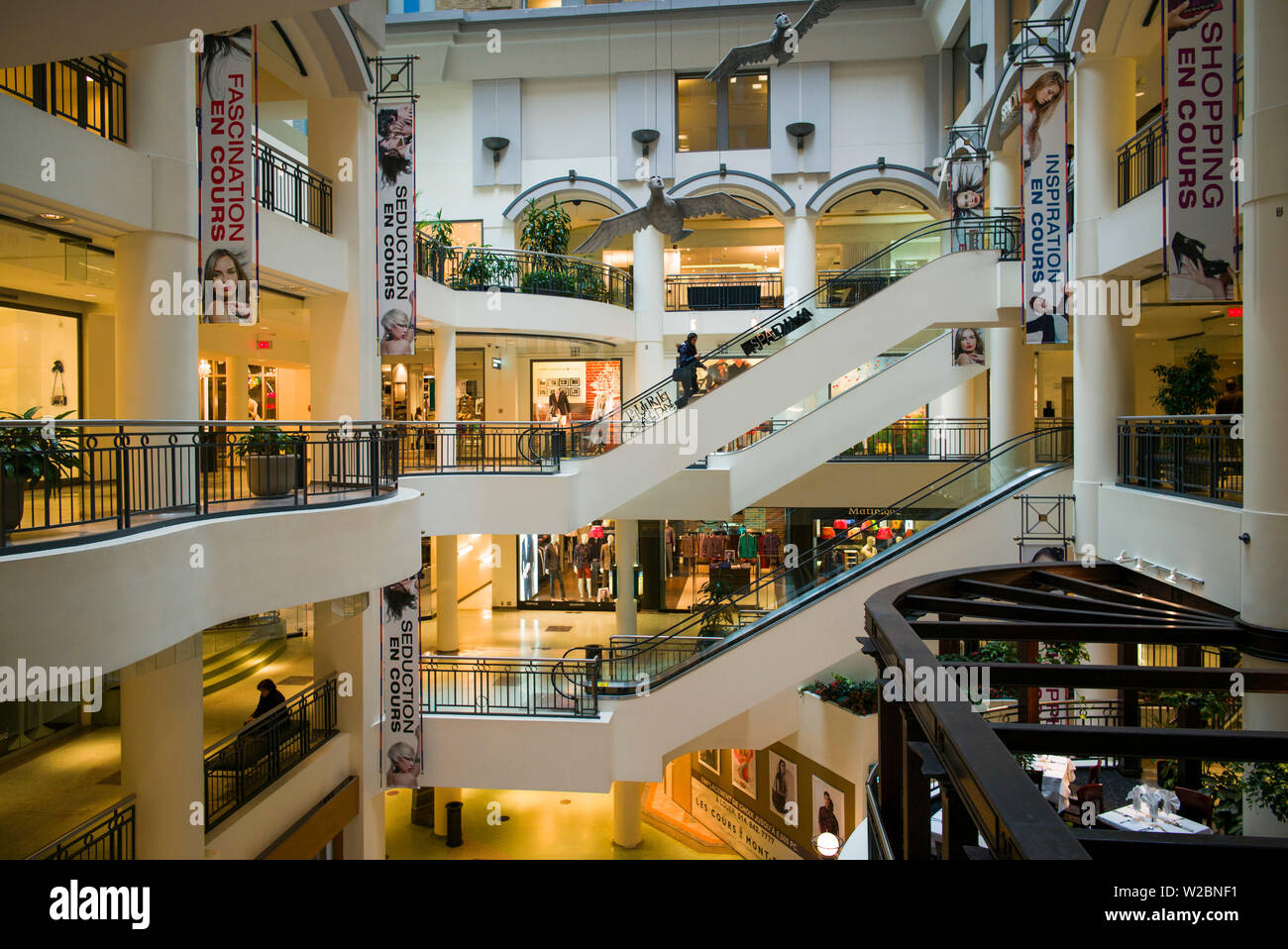 Canada, Quebec, Montreal, Les Cours Mont-Royal, shopping center - Stock Image