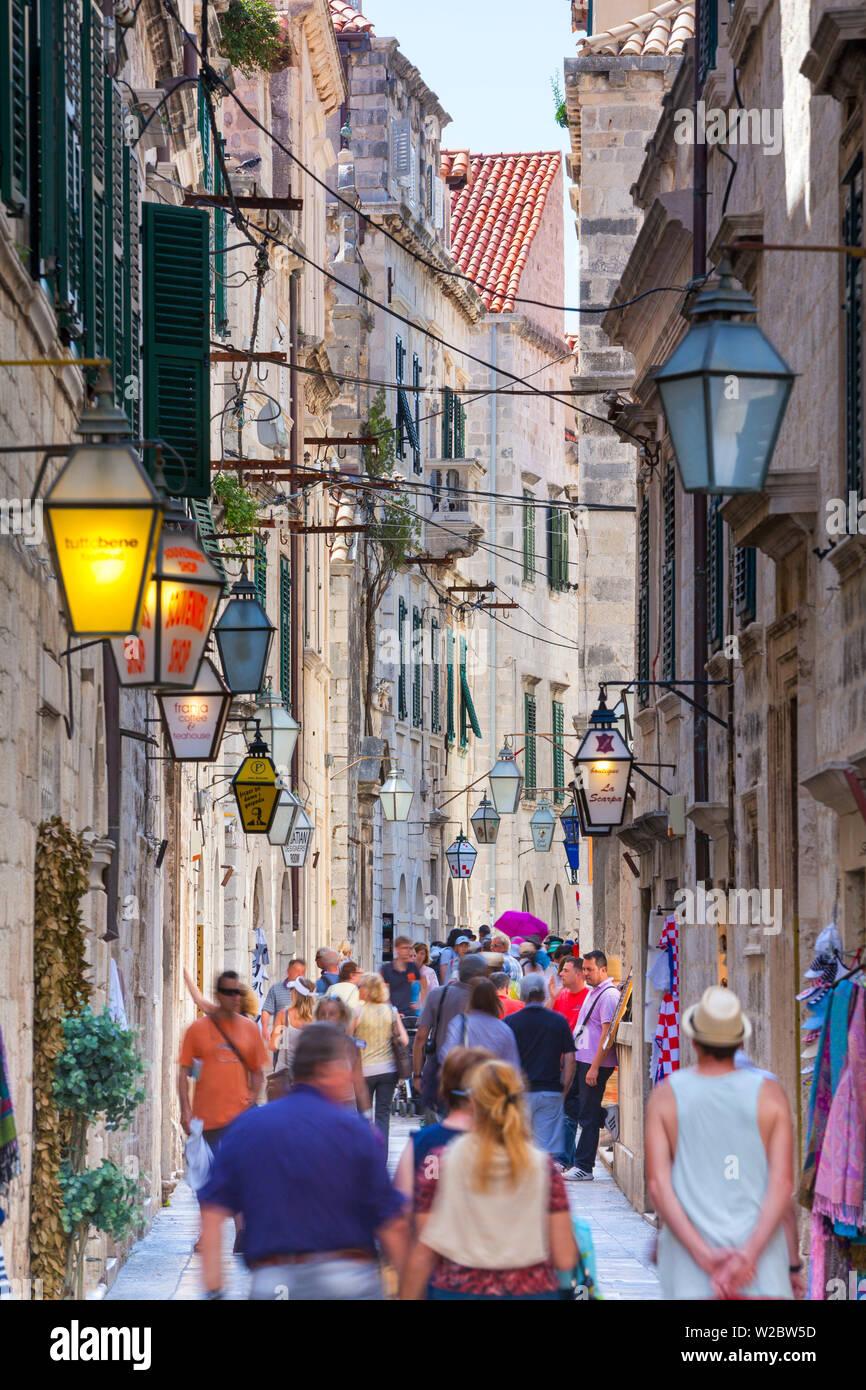 Picturesque street in the Stari Grad (Old Town), Dubrovnik, Dalmatia, Croatia - Stock Image