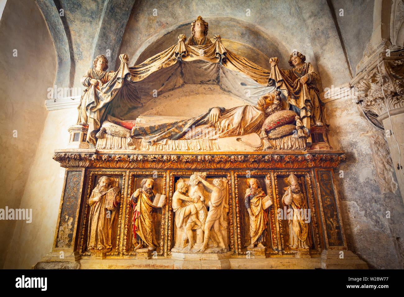 Altar of St. Anastasius St. Domnius Cathedral, Stari Grad (Old Town), Split, Dalmatia, Croatia - Stock Image