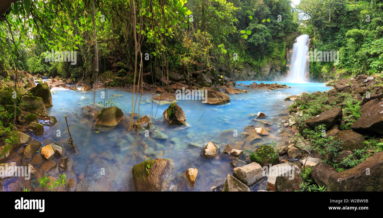 Costa Rica, Central Highlands, Volcan Tenorio National Park, Rio Celeste River (with the unique blue colour due to natural minerals carried by the water) - Stock Image