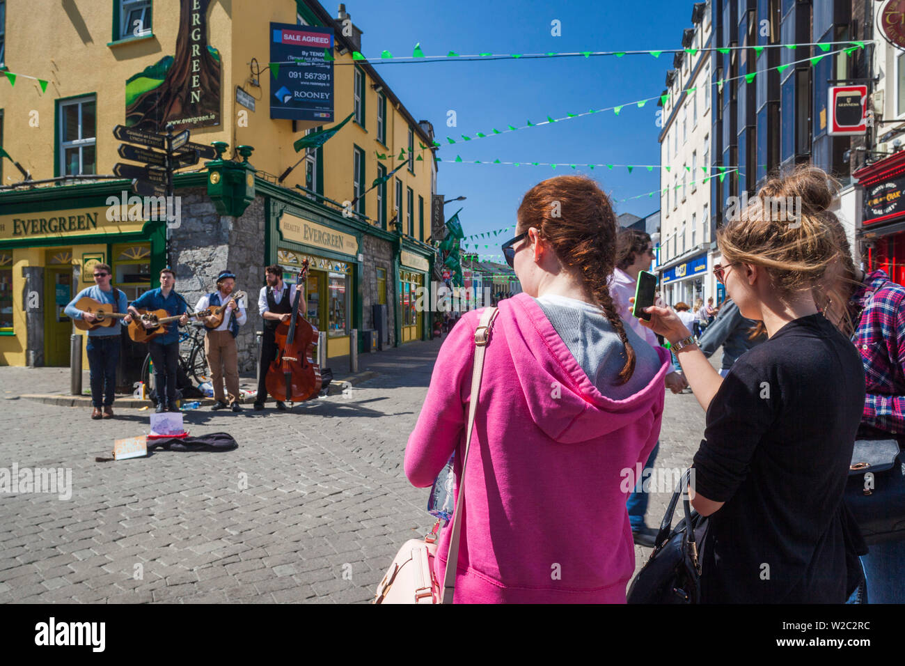 Ireland, County Galway, Galway City, High Street, musicians and