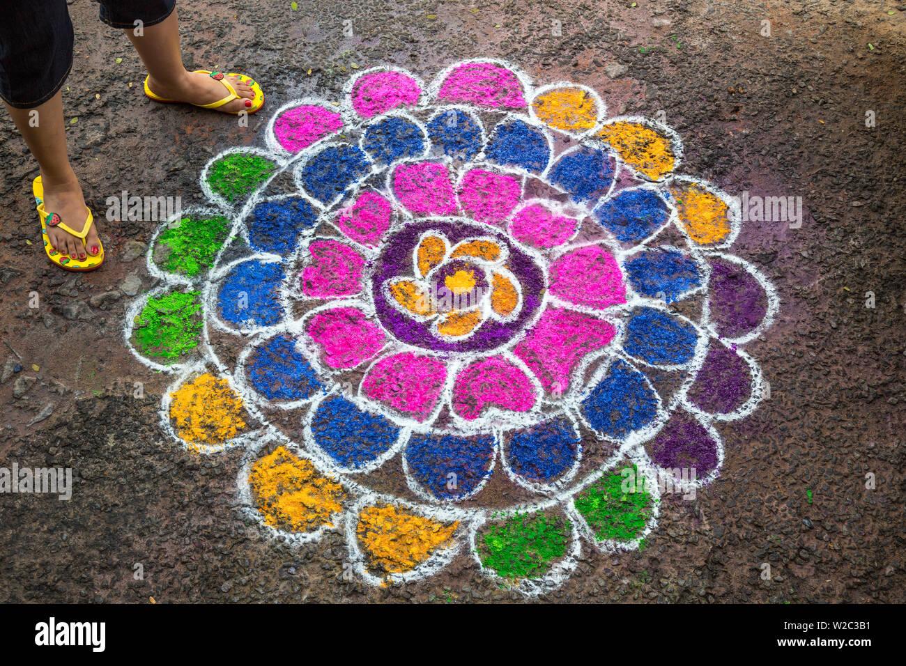 Rangoli design (or Kolam or Muggu) on street to welcome hindu deities, Pondicherry (Puducherry), Tamil Nadu, India Stock Photo