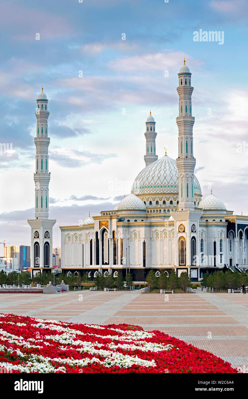 Central Asia, Kazakhstan, Astana, Hazrat Sultan Mosque, the largest in Central Asia Stock Photo