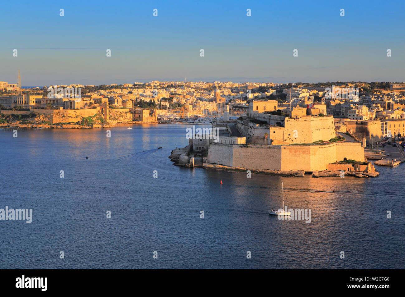 La Valletta, view from Upper Barracca gardens to Fort Saint Angelo, Malta - Stock Image