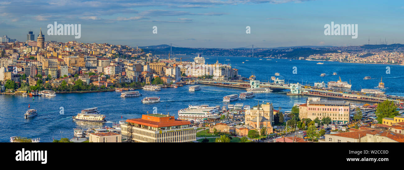 Turkey, Istanbul, View over Beyoglu and Sultanahmet Districts, The Golden Horn and Bosphorus - Stock Image