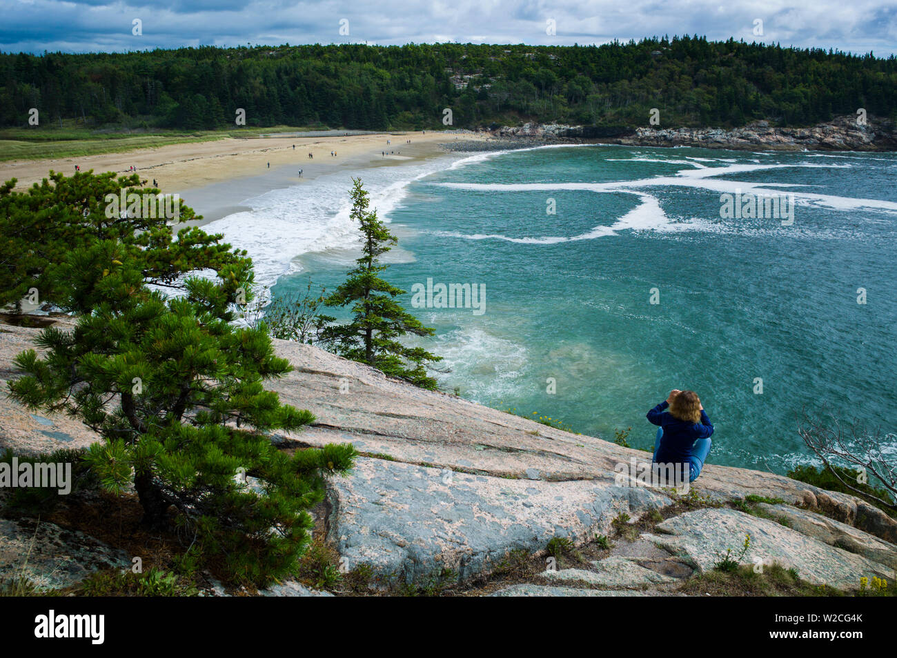 USA, Maine, Mt. Desert Island, Acadia National Park, elevated view of Sand Beach - Stock Image