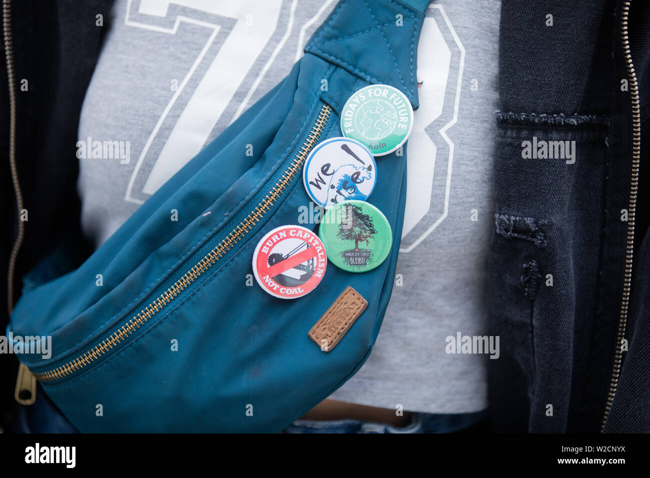 7b2c37d3 At a Fridays for Future demonstration in front of the main ...