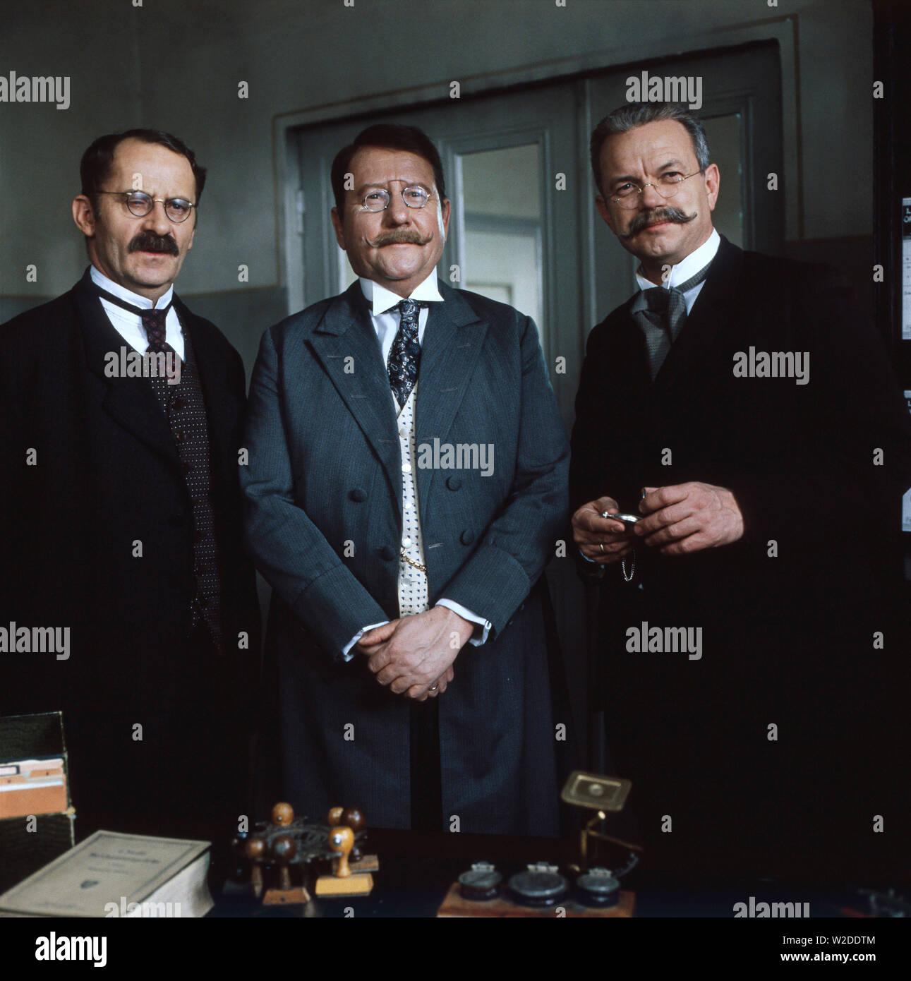 Löwengrube, Fernsehserie, Deutschland 1989 - 1992, Familienserie, Kriminalserie, Darsteller: Fred Stillkrauth, Gerd Fritz, Jörg Hube - Stock Image