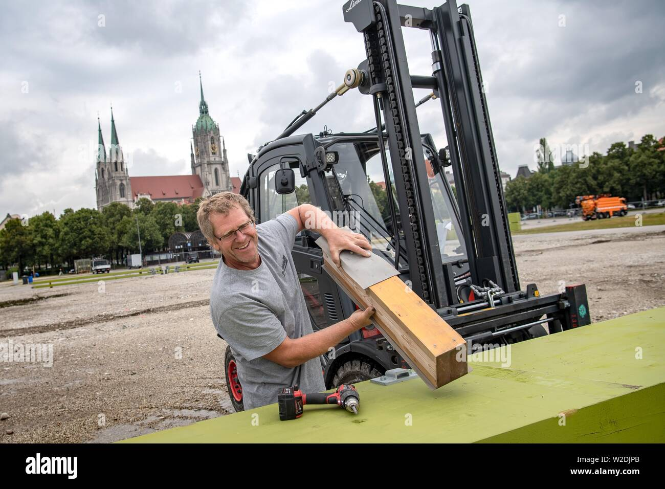 Munich, Germany. 08th July, 2019. The construction of the Oktoberfest 2019 begins, which will take place from 21.09 to 06.10.2019 in Munich. Credit: Sina Schuldt/dpa/Alamy Live News Stock Photo