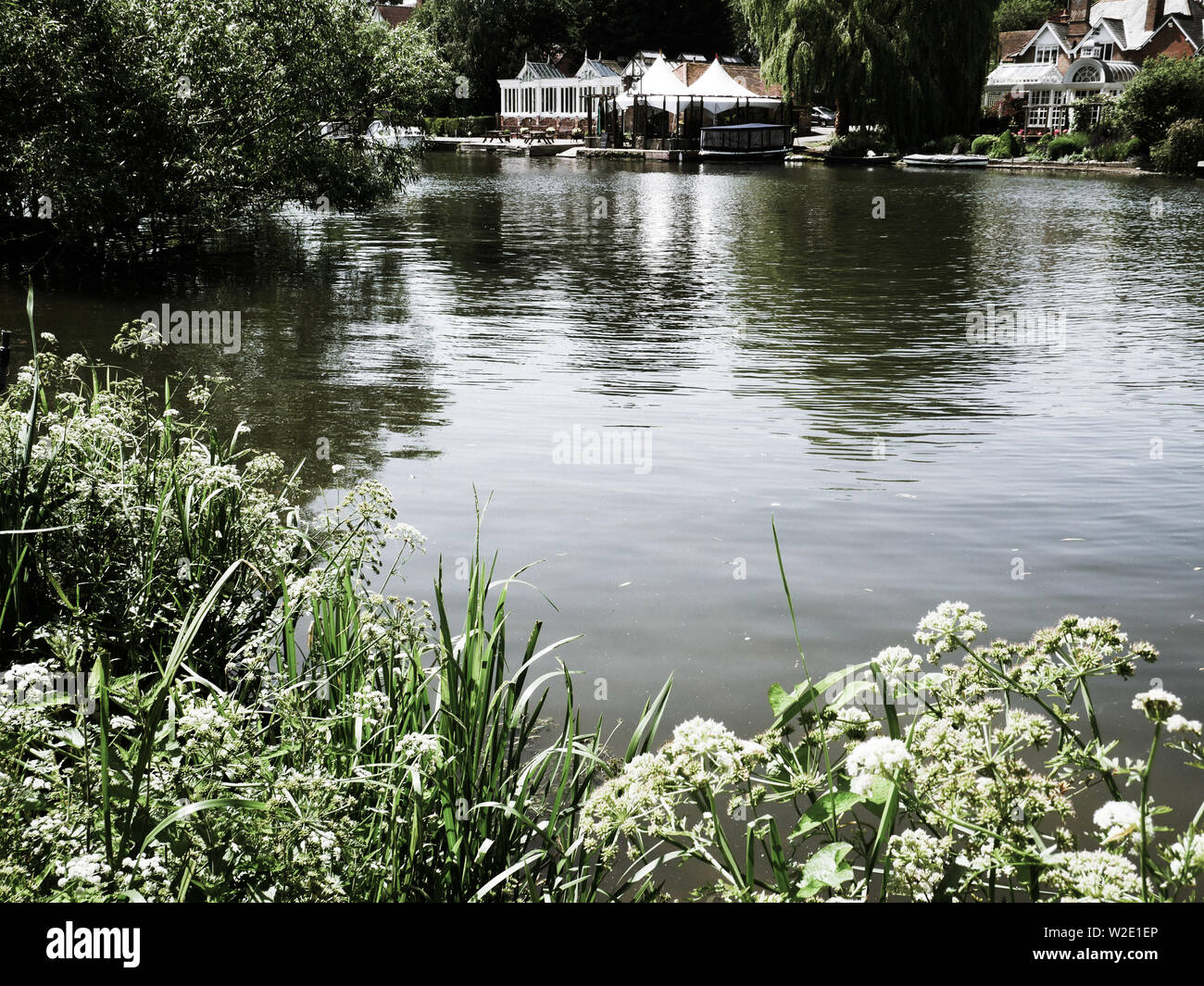 River Thames Landscape, at Ferry Lane, on The Ridgeway Path, South Stoke, Oxfordshire, England, UK, GB. Stock Photo