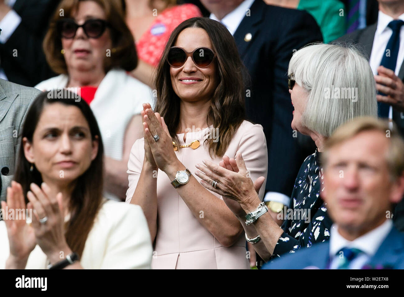 London, UK, 8th July 2019: Pippa Middleton visits the Wimbledon Tennis Championships 2019 at the All England Lawn Tennis and Croquet Club in London. Credit: Frank Molter/Alamy Live news Stock Photo
