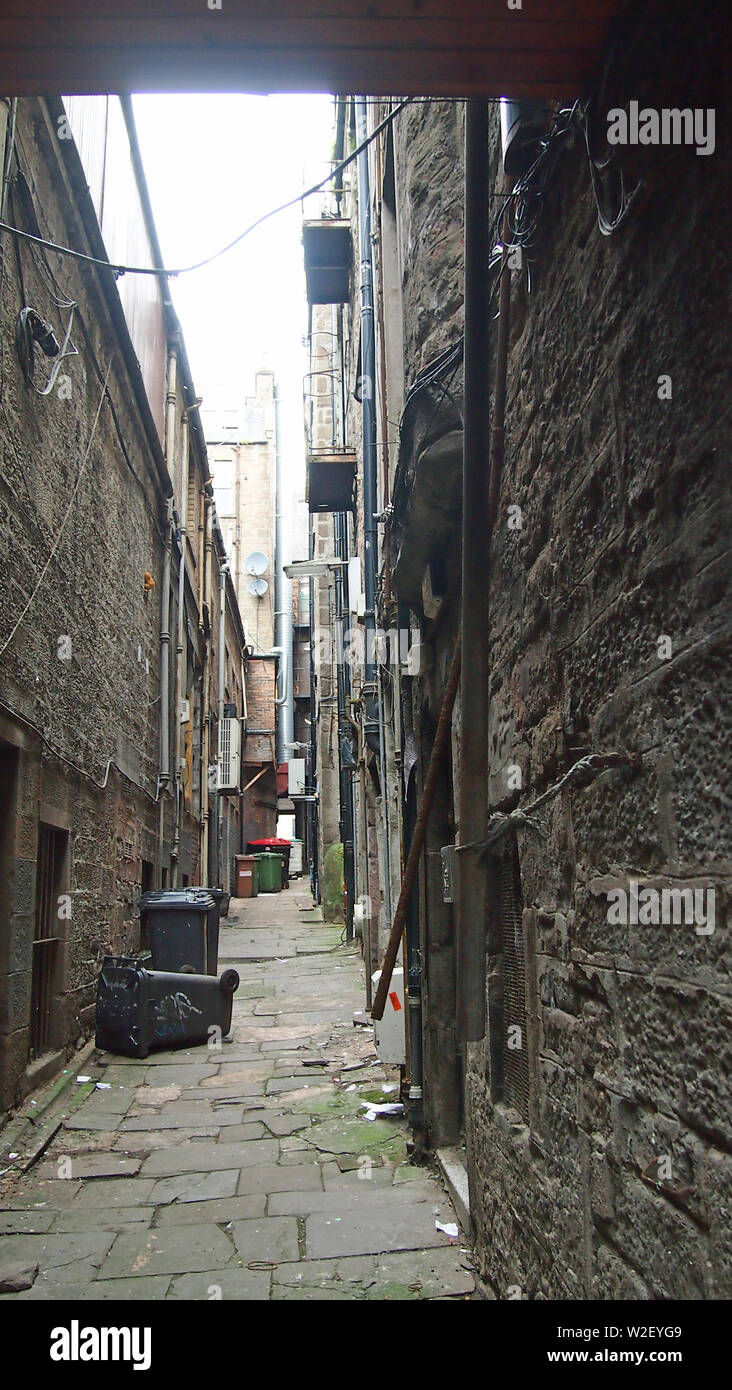 Scott's Close, Dundee, Scotland looking north. on the line of a medieval street but now blocked off at both ends. Access is from Crichton Street, whic - Stock Image