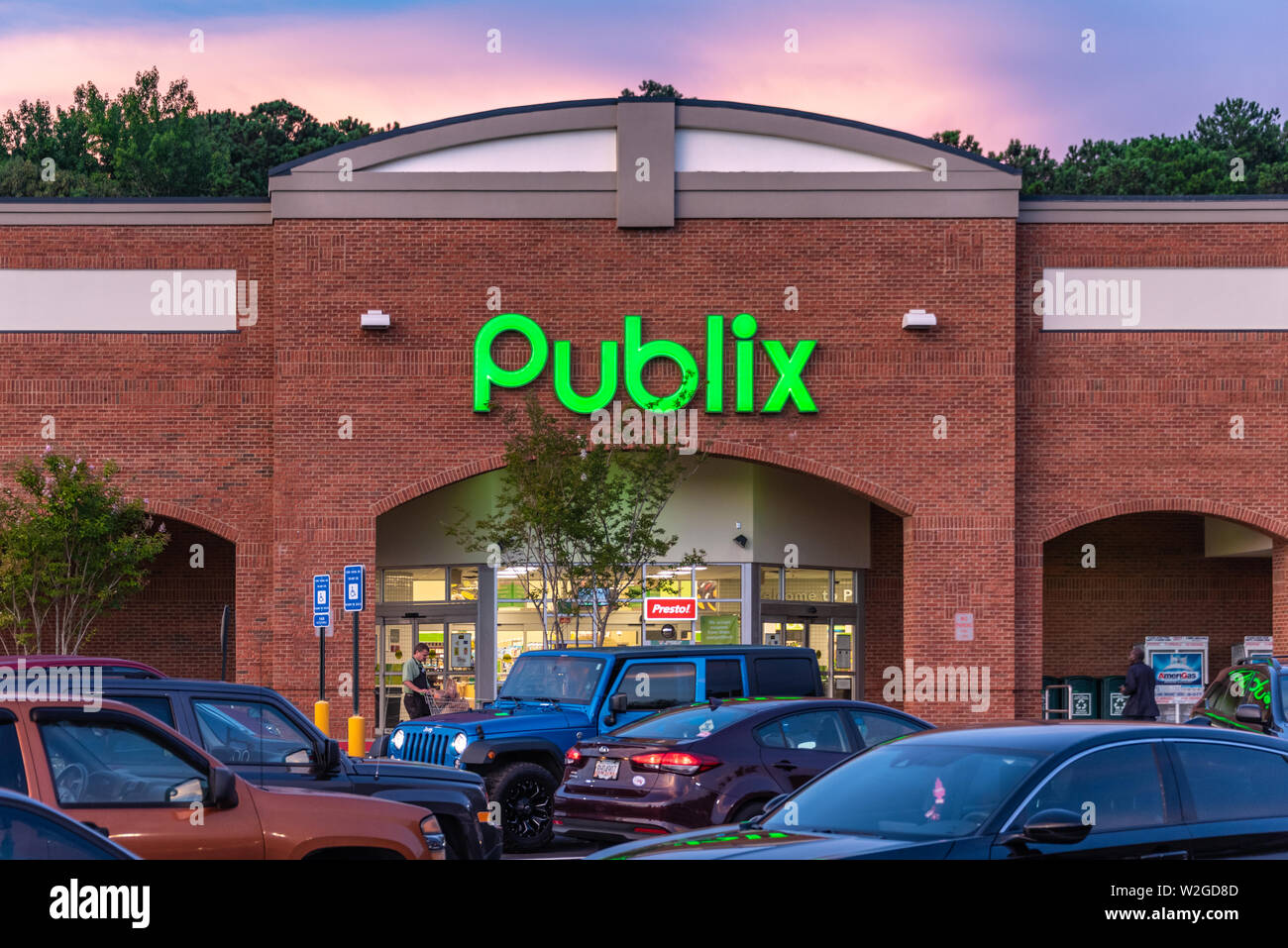 Publix Super Market (the largest and fastest-growing employee-owned supermarket chain in the U.S.) in Snellville (Metro Atlanta), Georgia. (USA) - Stock Image