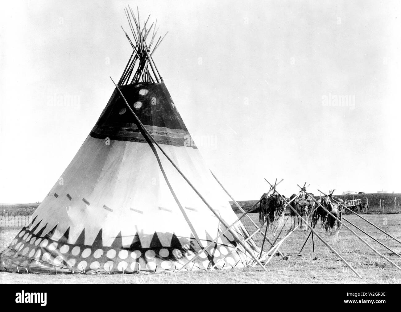 Edward S. Curits Native American Indians - Tepee on the plains of Alberta, Canada ca. 1927 - Stock Image
