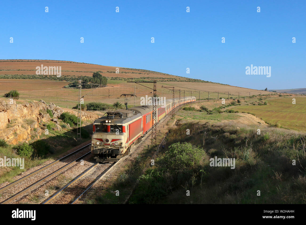 By train through the Moroccan hill country - Stock Image