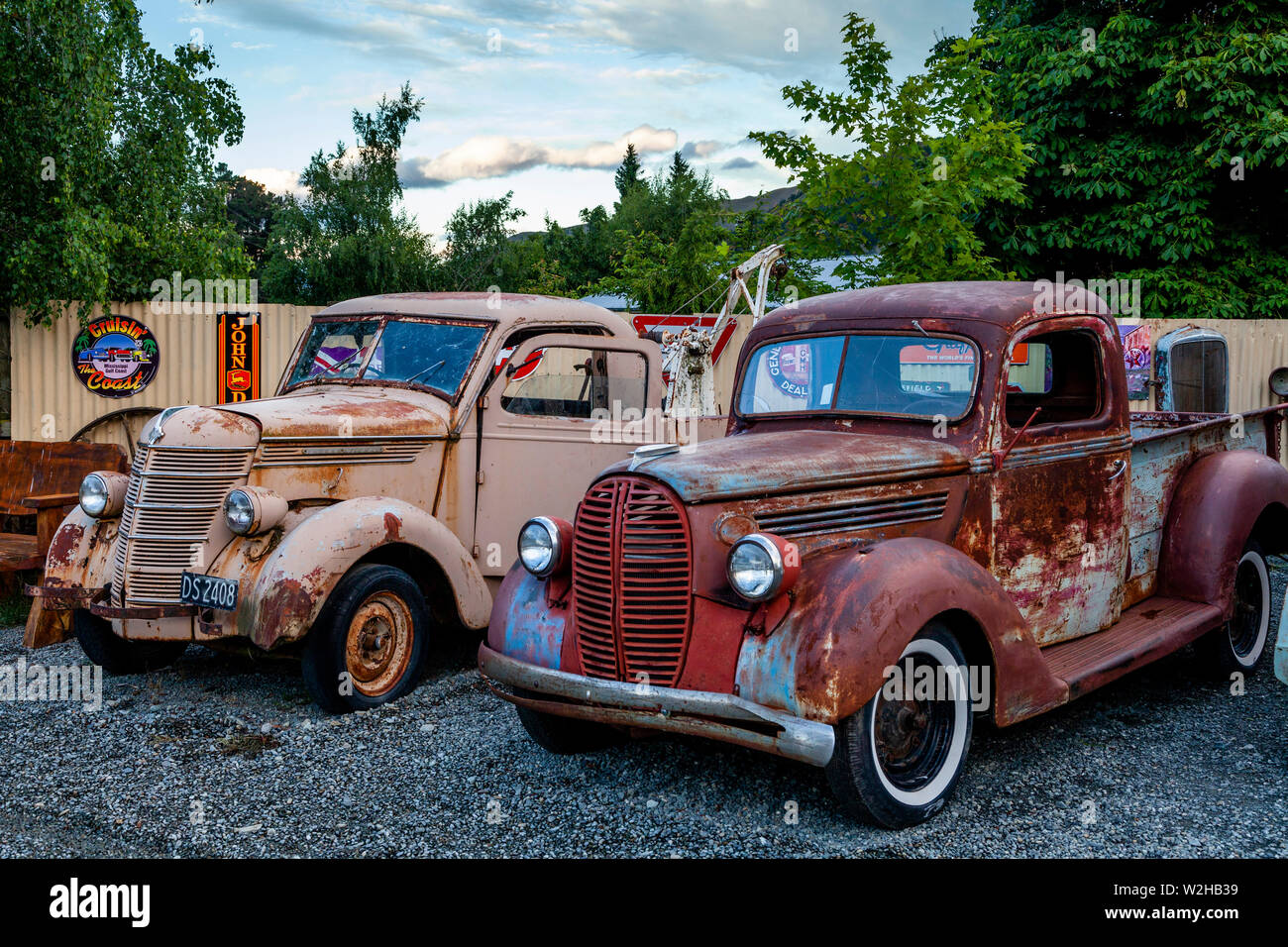 Old Fashion Cars >> Rusting Old Fashioned Cars At The Three Creeks Shopping Area