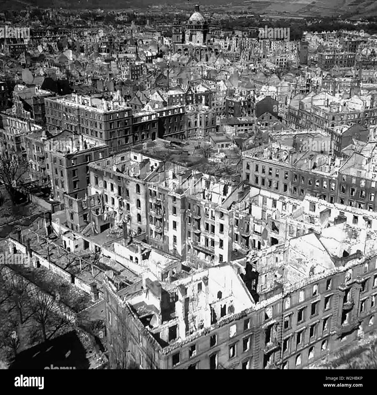 Aerial photo of the inner city of the destroyed Würzburg in autumn 1945, taken from the east - Stock Image