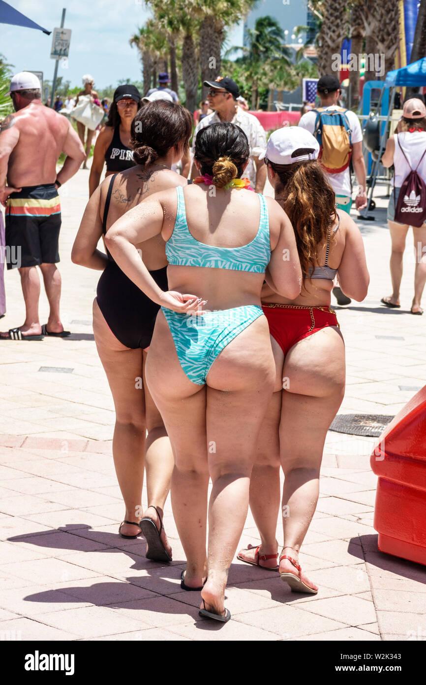 Fette frau im bikini