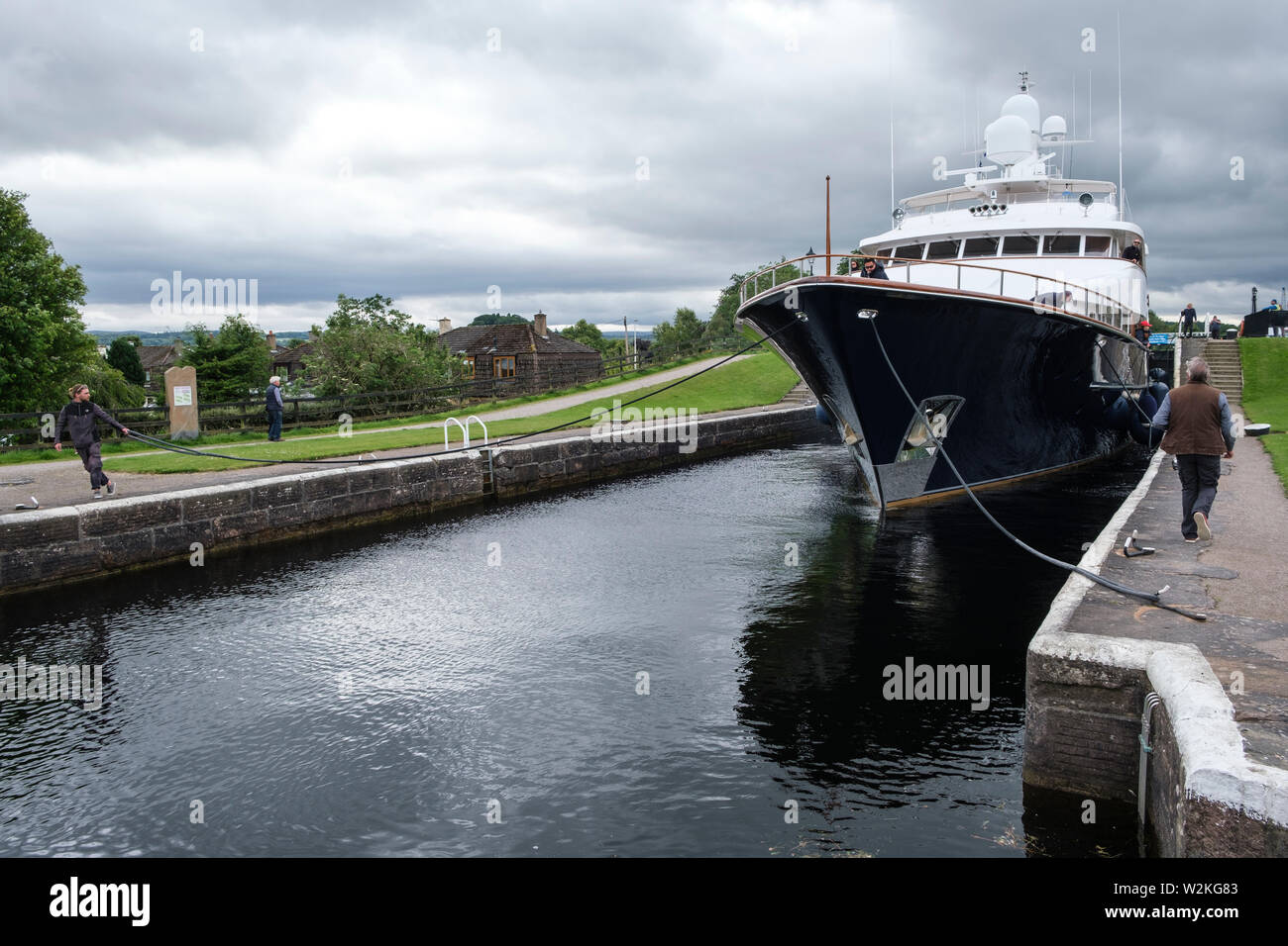 'Lady Rose' passing through Muirtown Locks, Caledonian Canal, Inverness - Stock Image